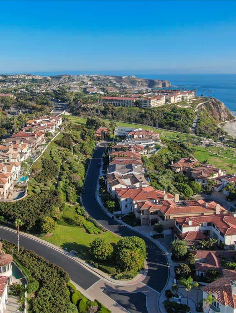 residential neighborhood homes along laguna niguel beach shores